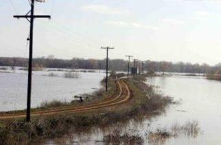 Αποζημιώσεις και αποστραγγιστικά ζητούν οι αγρότες μετά τις πλημμύρες