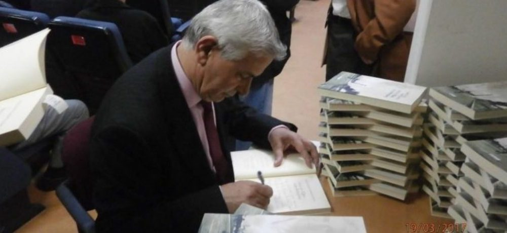 """Ο """"Αρχηγός"""" παρουσιάζει ξανά το βιβλίο του"""