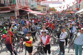 Το ποδήλατο ένωσε τους τρεις γειτονικούς λαούς (φωτό+video)