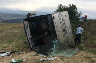 Σοβαρό τροχαίο με λεωφορείο που έφερνε μαθητές στην Αλεξανδρούπολη