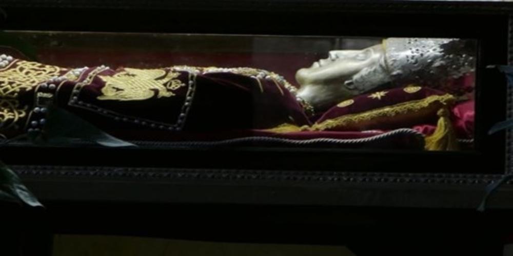 Δείτε ΖΩΝΤΑΝΑ από το evros-news.gr την υποδοχή του Ιερού Λειψάνου της Αγίας Ελένης