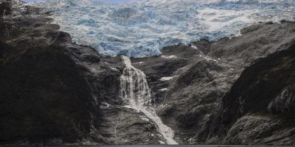 SOS από επιστήμονες: Το λιώσιμο των πάγων θα «ξυπνήσει» ιούς εκατομμυρίων ετών