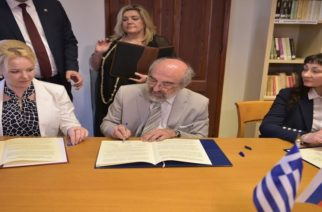 Πρωτόκολλα συνεργασίας με την Αγία Πετρούπολη υπέγραψε ο Λαμπάκης