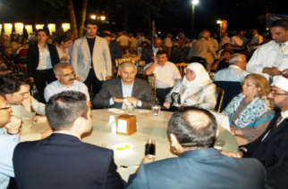 Φιέστα 5.000 ατόμων για τον Τούρκο Πρωθυπουργό ετοιμάζουν στην Κομοτηνή