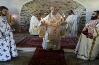 Πανηγυρική Θεία Λειτουργία χθες στην ανακαινισμένη εκκλησία της Κυριακής Σουφλίου