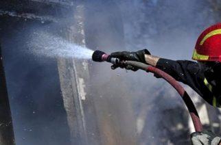 ΦΩΤΙΑ ΤΩΡΑ στην Ορεστιάδα: Καίγεται πιτσαρία στον πεζόδρομο.