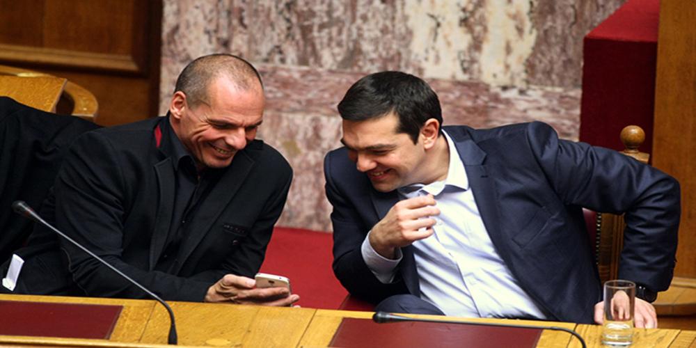 """ΑΠΟΚΑΛΥΨΕΙΣ-ΒΟΜΒΑ Βαρουφάκη: """"Δίνει"""" τον Πρωθυπουργό Αλέξη Τσίπρα δημοσιεύοντας διαλόγους που είχαν"""