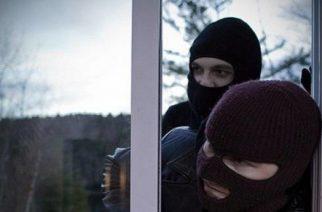 Διδυμότειχο: Δυο νεαροί συνελήφθησαν όταν πήγαν να κλέψουν σπίτι και τους αντιλήφθηκε η ιδιοκτήτρια