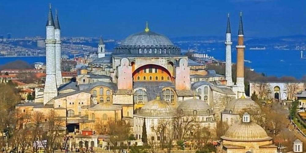 Προκαλούν πάλι οι Τούρκοι: Δικαίωμα μας να ανοίξει η Αγιά Σοφιά για προσευχή