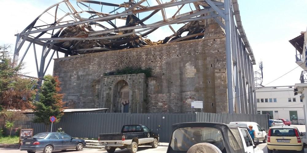 ΜΑΥΡΗ ΕΠΕΤΕΙΟΣ. Έξι μήνες απ' την καταστροφή στο Τέμενος Βαγιαζήτ. Άφαντος ο εργολάβος