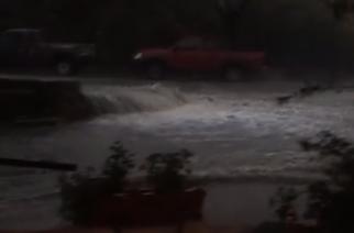 Σοβαρά προβλήματα από την βροχή στη Σαμοθράκη. Κάτοικοι αποκλεισμένοι απ' τα νερά