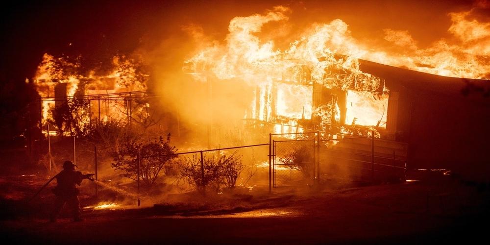 ΤΡΑΓΩΔΙΑ ΤΩΡΑ: Κάηκε ζωντανή ηλικιωμένη από φωτιά στο σπίτι της στα Κόμαρα