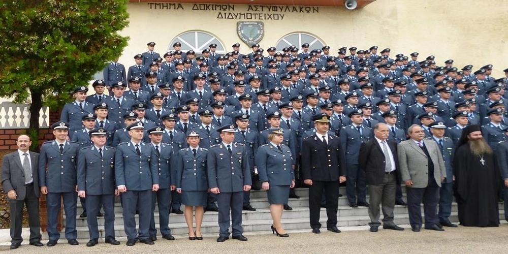 Η βροχή δεν στάθηκε εμπόδιο στην τελετή αποφοίτησης Aστυφυλάκων της σχολής Διδυμοτείχου