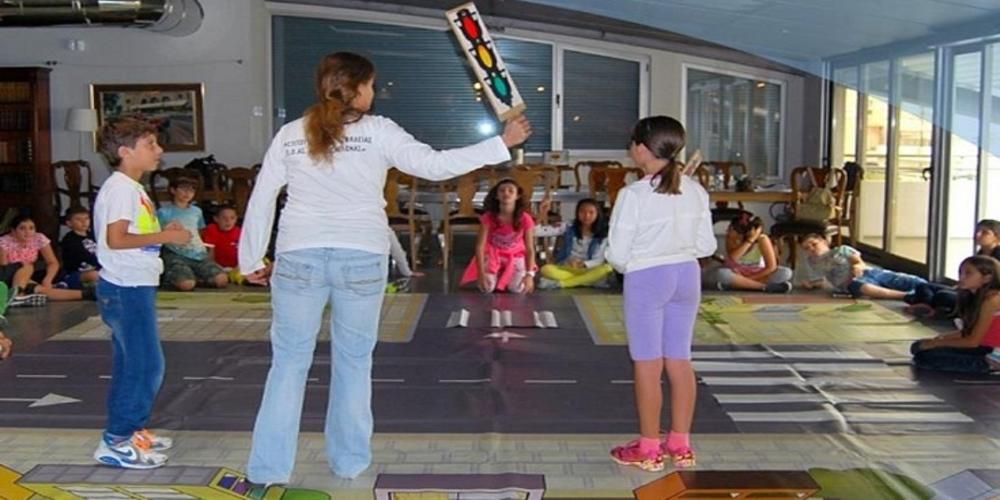Τα παιδιά μαθαίνουν για την οδική ασφάλεια. Δράσεις της Δημοτικής Βιβλιοθήκης Αλεξανδρούπολης