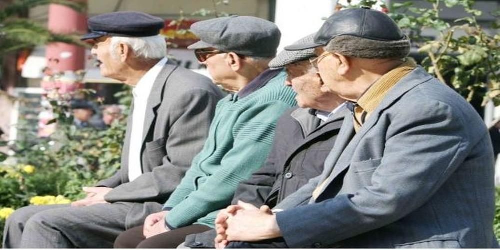 """Ετοιμάζονται να """"βαφτίσουν"""" ως """"δώρο"""" Χριστουγέννων την επιστροφή των παράνομων κρατήσεων στους συνταξιούχους"""