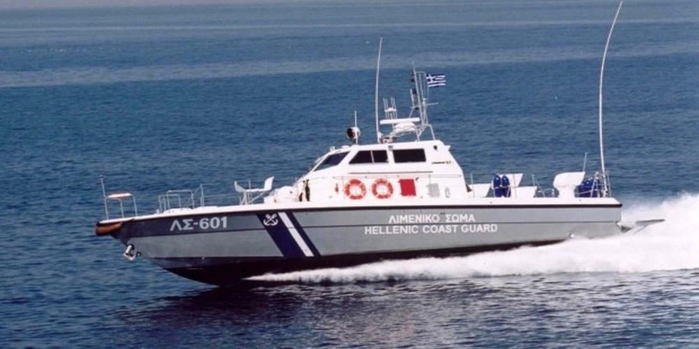 Επείγουσα μεταφορά 52χρονου αρρώστου απ' τη Σαμοθράκη με περιπολικό σκάφος του Λιμενικού