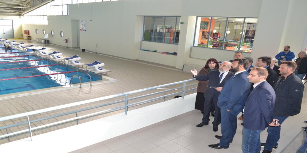 Κλειστό Γυμναστήριο και αθλητικές υποδομές στις συναντήσεις Βασιλειάδη με Πέτροβιτς, Λαμπάκη