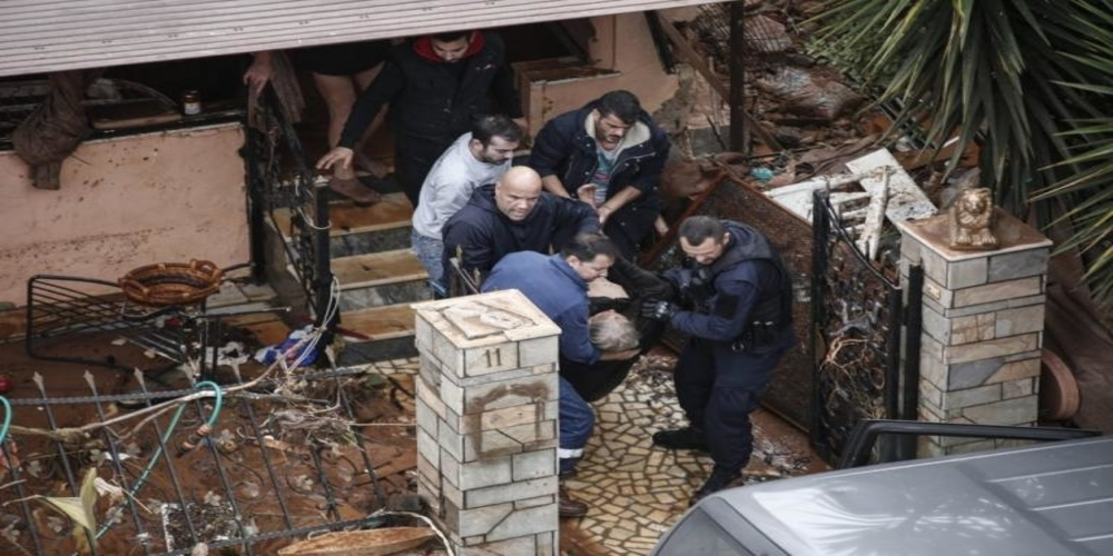 ΑΝΕΙΠΩΤΗ ΤΡΑΓΩΔΙΑ: Τους 15 έφτασαν οι νεκροί στη Μάνδρα Αττικής