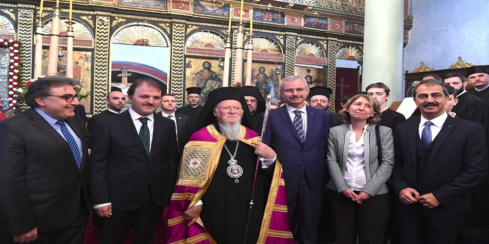 Kωνσταντινούπολη: Συγκίνηση στα θυρανοίξια απ' τον Οικουμενικό Πατριάρχη του ανακαινισθέντος Ι.Ν. Αγίου Γεωργίου Πύλης Αδριανουπόλεως