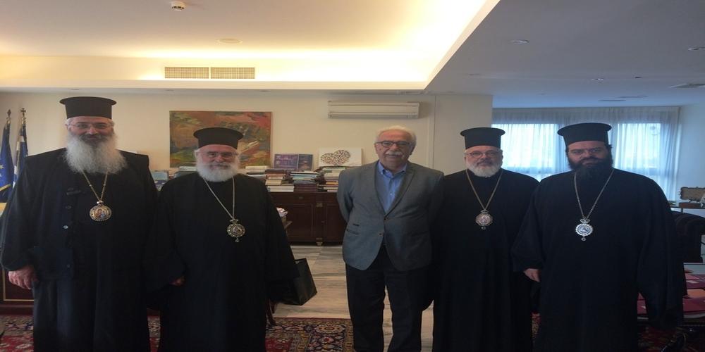 Συνάντηση των τεσσάρων Μητροπολιτών της Θράκης με τον υπουργό Παιδείας. Τί του… έψαλαν