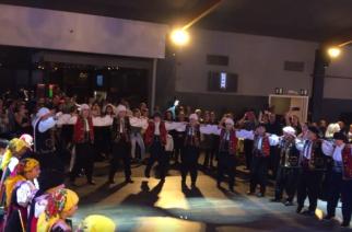 """Οι Θρακιώτες… σήκωσαν στο πόδι τις Βρυξέλλες στο γλέντι με """"Εβρίτικη Ζυγιά""""(video)"""