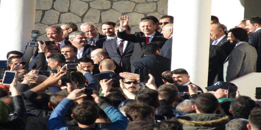 Η μουσουλμανική μειονότητα της Θράκης γύρισε επιδεικτικά την πλάτη στον προκλητικό Ερντογάν