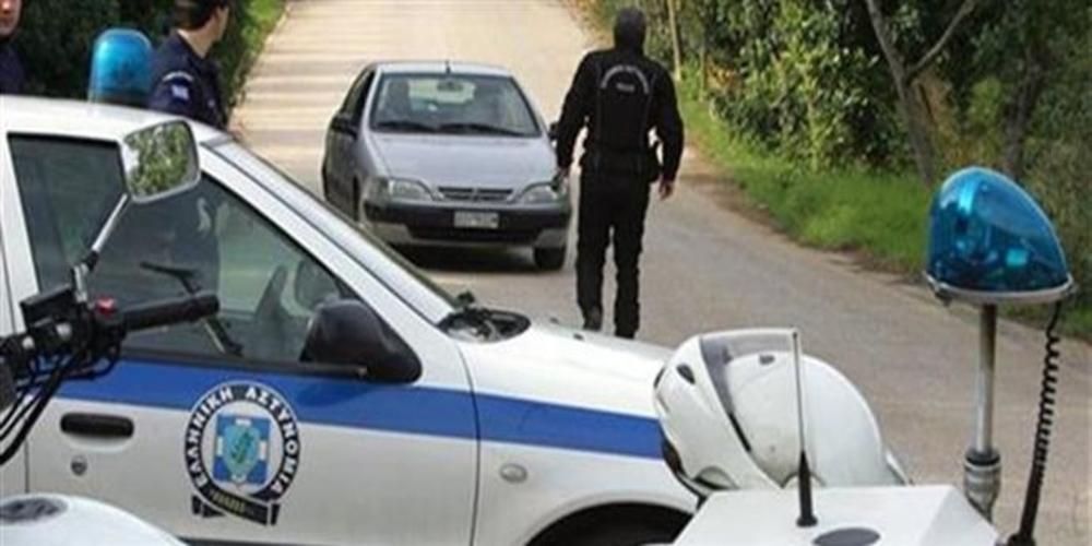 Πήδηξε εν κινήσει απ' το αμάξι με 12 λαθρομετανάστες μέσα, αλλά τον συνέλαβαν