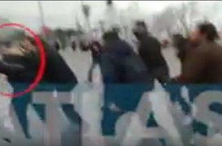 Γλίτωσε από λυντσάρισμα ο Ζουράρις, αφού δέχθηκε επίθεση όταν εμφανίστηκε στο συλλαλητήριο (video)
