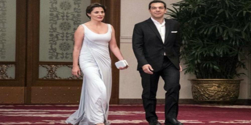 Η Νατάσα Γκαρά στο πλευρό της συζύγου του Πρωθυπουργού για τις επιθέσεις που δέχεται