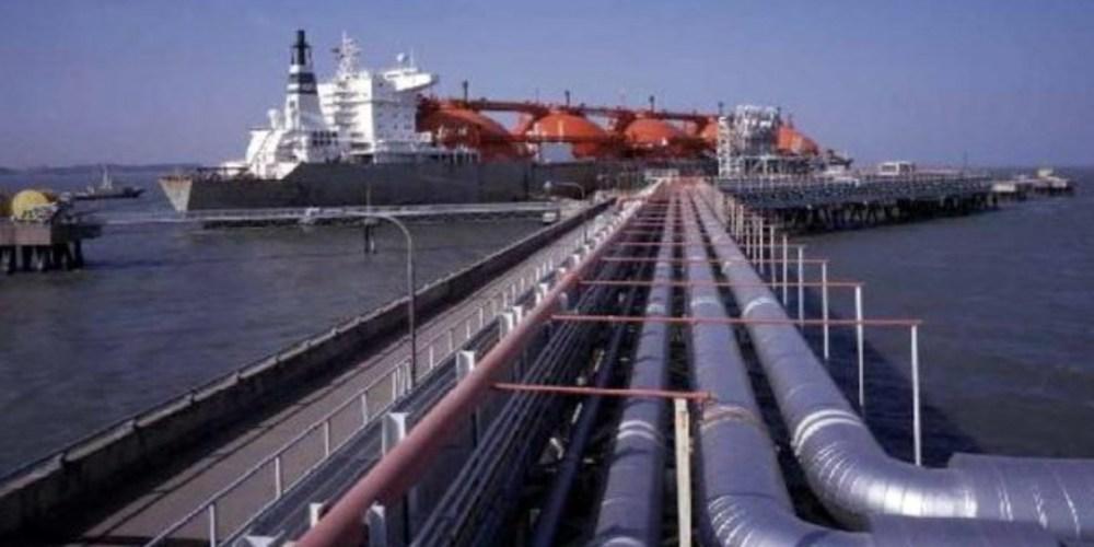 """Η ακριβότερη τιμή του υγροποιημένου φυσικού αερίου, """"παγώνει"""" την κατασκευή του LNG Αλεξανδρούπολης;"""