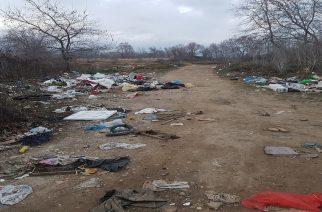 ΚΑΤΑΓΓΕΛΙΑ: Απέραντος σκουπιδότοπος μεταξύ Μαίστρου-Άβαντα, στην περιοχή Κρυονέρι(φωτορεπορτάζ)