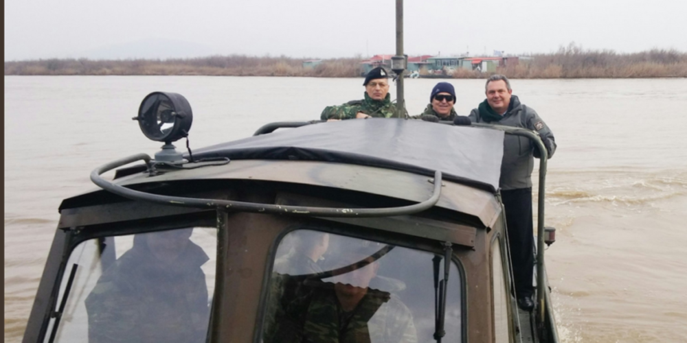 Βόλτες στο Δέλτα και διανυκτέρευση σε καλύβα-στρατιωτικό φυλάκιο για τον Πάνο Καμμένο