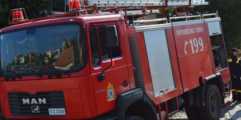 ΤΩΡΑ: Φωτιά σε κουζίνα σπιτιού στην Ορεστιάδα