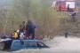 ΒΙΝΤΕΟ από τη διάσωση προσφύγων και μεταναστών, ανάμεσα τους 4 μικρά παιδιά