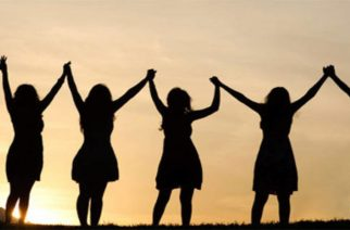 Παγκόσμια Ημέρα της γυναίκας. Τί μπορείς να κάνεις με τις κολλητές σου