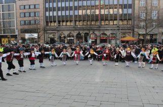 Οι Θρακιώτες μαζί με όλους τους Έλληνες του Ανόβερου, γιόρτασαν την εθνική επέτειο (ΒΙΝΤΕΟ)
