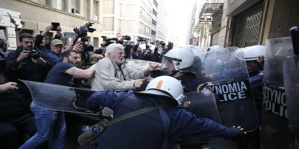 """""""Πόλεμος"""" αστυνομικών-Κυβέρνησης και μηνύσεις-""""Μας στέλνουν σαν πρόβατα στη σφαγή!"""