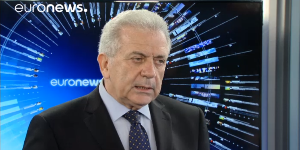 """""""Πόντιος Πιλάτος"""" (ΚΡΙΜΑ) για τους δυο στρατιωτικούς και ο Ευρωπαίος Επίτροπος Αβραμόπουλος: """"Διμερές θέμα η επιστροφή τους"""""""