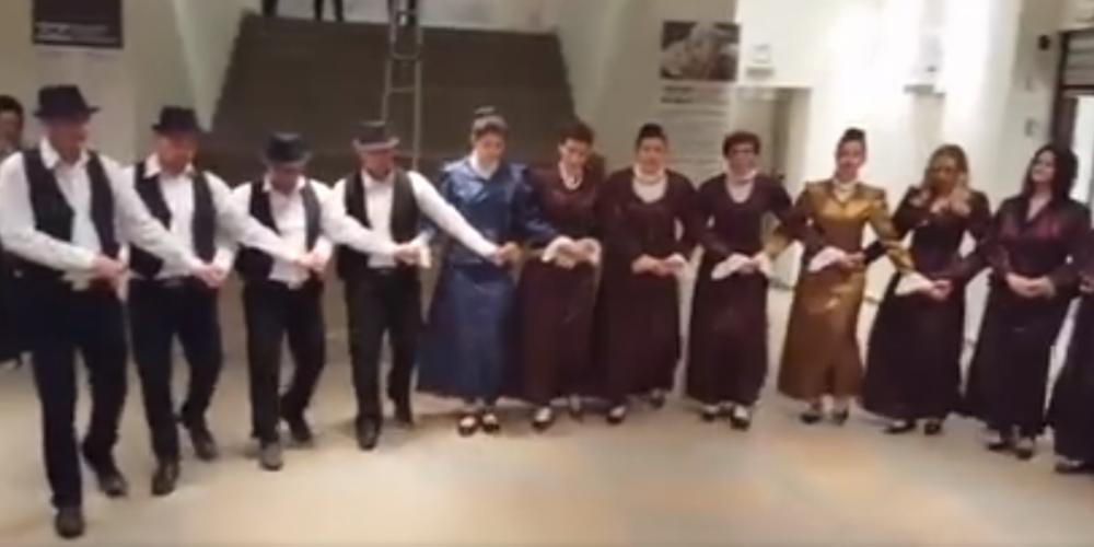 """Δήμαρχοι και στελέχη δήμων απόλαυσαν θρακιώτικους χορούς απ' το σύλλογο """"Θεοδώρα Καντακουζηνή"""" (ΒΙΝΤΕΟ)"""