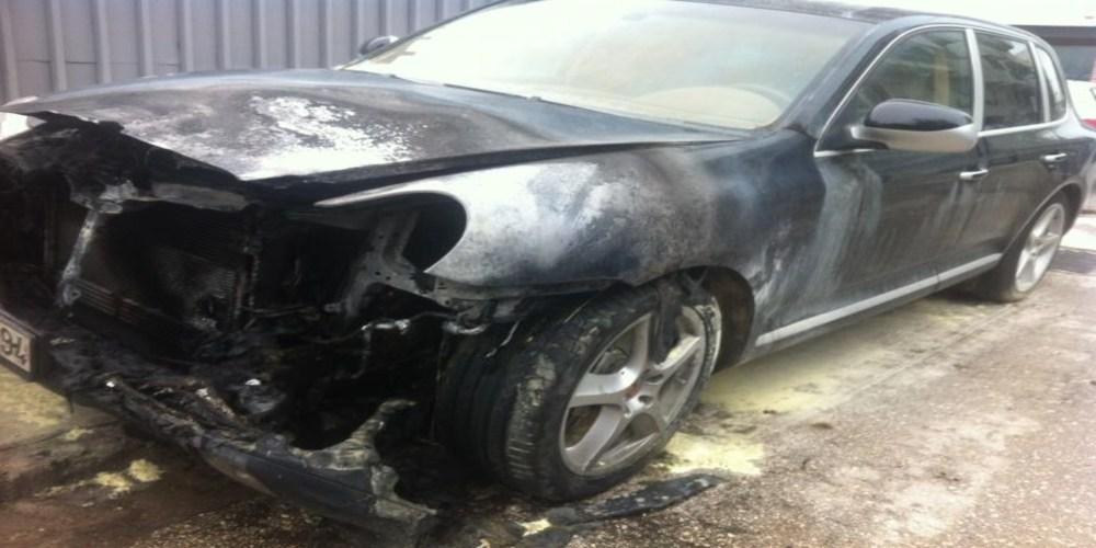 ΤΩΡΑ-Αλεξανδρούπολη: Τέσσερις συλλήψεις ανακοίνωσε η αστυνομία για τους μαφιόζικους εμπρησμούς αυτοκινήτων επιχειρηματία.