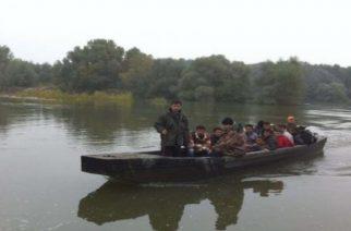 Τριπλασιάστηκε τον Μάρτιο ο αριθμός προσφύγων και λαθρομεταναστών που πέρασαν στον Έβρο