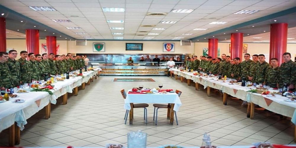 Λαμία: Έστησαν τραπέζι για τους δύο φυλακισμένους στρατιωτικούς μας στο ΚΕΥΠ