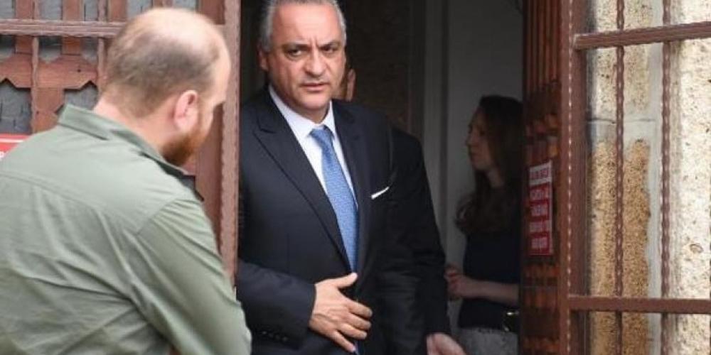 Συνάντηση Μ.Κεφαλογιάννη με δυο στρατιωτικούς στην Αδριανούπολη. Αθλητικές εφημερίδες(της ΑΕΚ), βιβλία και μαντινάδα