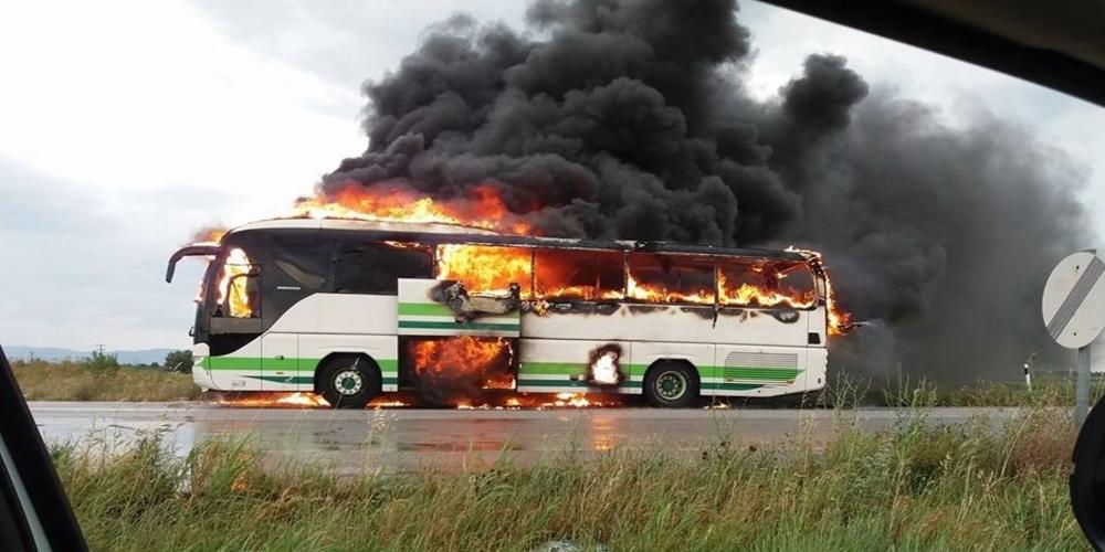 Το σοκ των επιβατών και η ψυχραιμία και άμεση αντίδραση του οδηγού που τους έσωσε