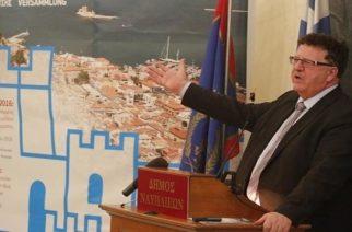 Πρόταση του Ολλανδού επενδυτή για θερμοκήπια που βρήκε ο Γερμανός Φούχτελ παρουσίασε χθες ο Β.Λαμπάκης