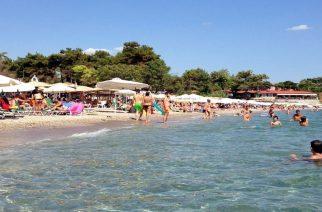 """""""Καμιά παραλία της Αλεξανδρούπολης δεν άφησαν ελεύθερη για τους δημότες"""""""
