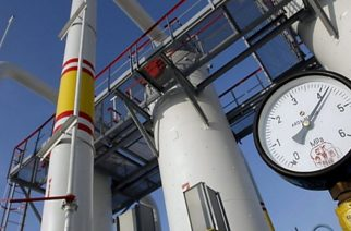 Υπέγραψε για τα δίκτυα διανομής φυσικού αερίου σε Αλεξανδρούπολη, Ορεστιάδα ο Σταθάκης