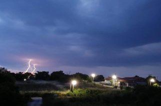 Καταιγίδα ξέσπασε εδώ και ώρα στην Ορεστιάδα (ΒΙΝΤΕΟ)