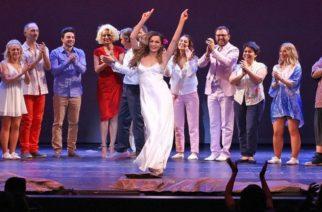 """Η """"νύφη""""μας Δέσποινα Βανδή έρχεται στην Αλεξανδρούπολη με το """"ΜΑΜΑ ΜΙΑ"""""""