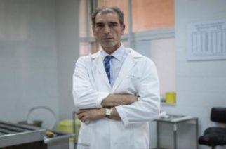 Ο Εβρίτης ιατροδικαστής που βρίσκει τον συνδετικό κρίκο μεταξύ αγνοουμένων και των οικογενειών τους